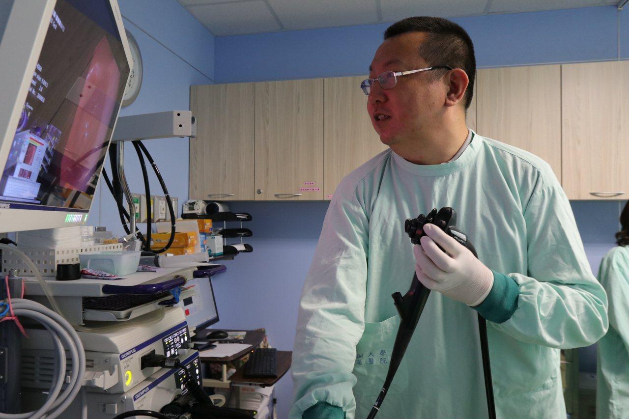 亞洲大學附屬醫院肝膽胃腸科醫師張家熙指出,胃幽門桿菌是許多上消化道疾病的共同致病...