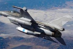 空軍採購新鳳眼偵照莢艙 性能之強與U2偵察機有關