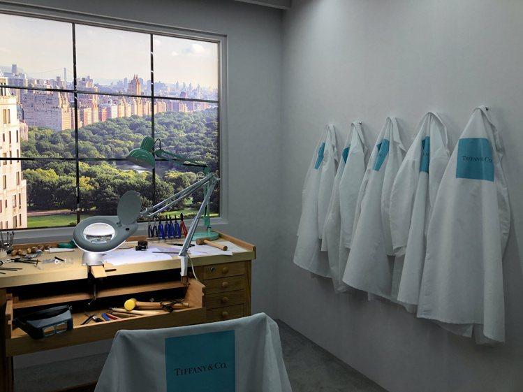 Tiffany美鑽傳奇主題展,有著紐約第五大道旗艦店樓上的工坊情景,複製於展覽中...