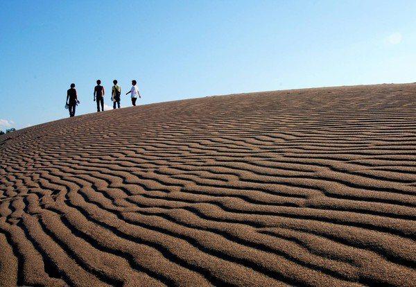 鳥取砂丘是前往當地必朝聖景點。圖/華信航空提供