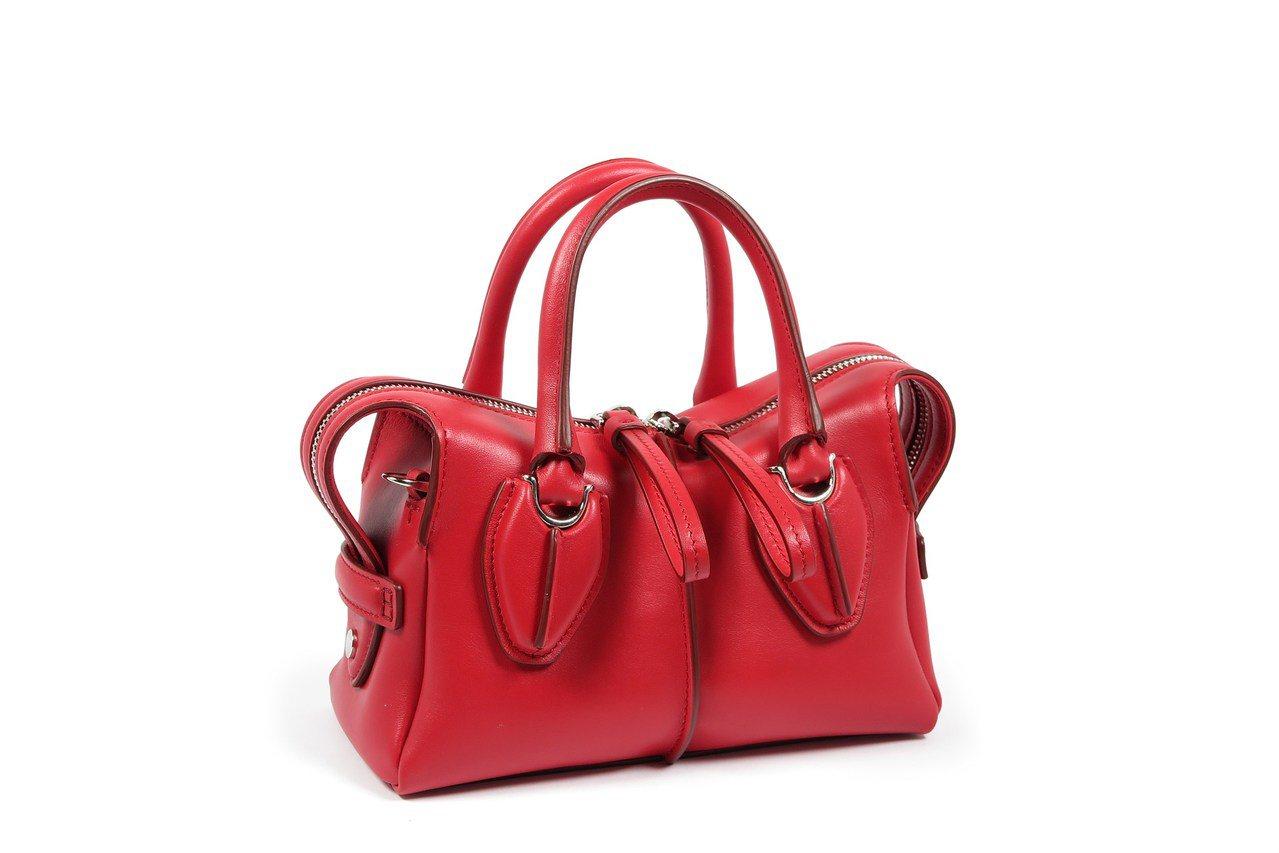 D Styling Micro草莓紅女士提包,售價48,000元。圖/TOD'S...