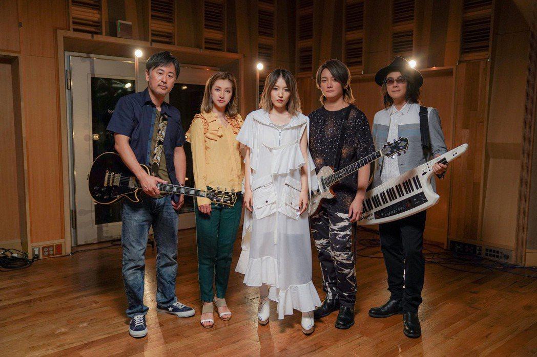 F.I.R與日本大無限樂團打造跨國合作曲「無限青春。圖/華研提供