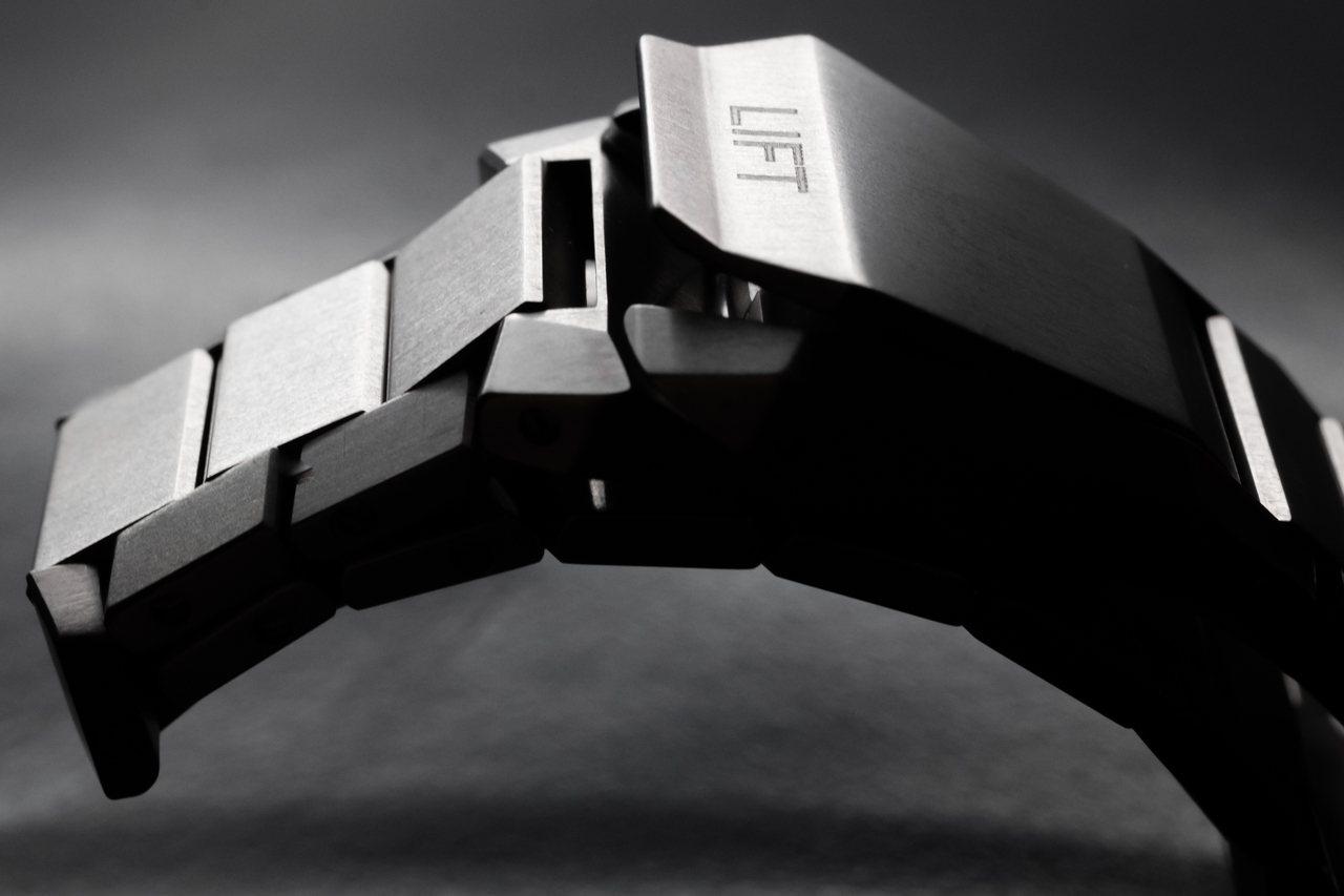 Pro Pilot X Calibre 115腕表表扣細節。圖/豪利時提供
