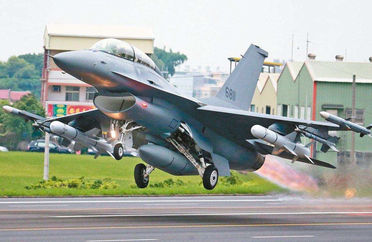 行政院會昨天通過「新式戰機採購特別條例」草案,作為採購F-16V編特別預算法源依...
