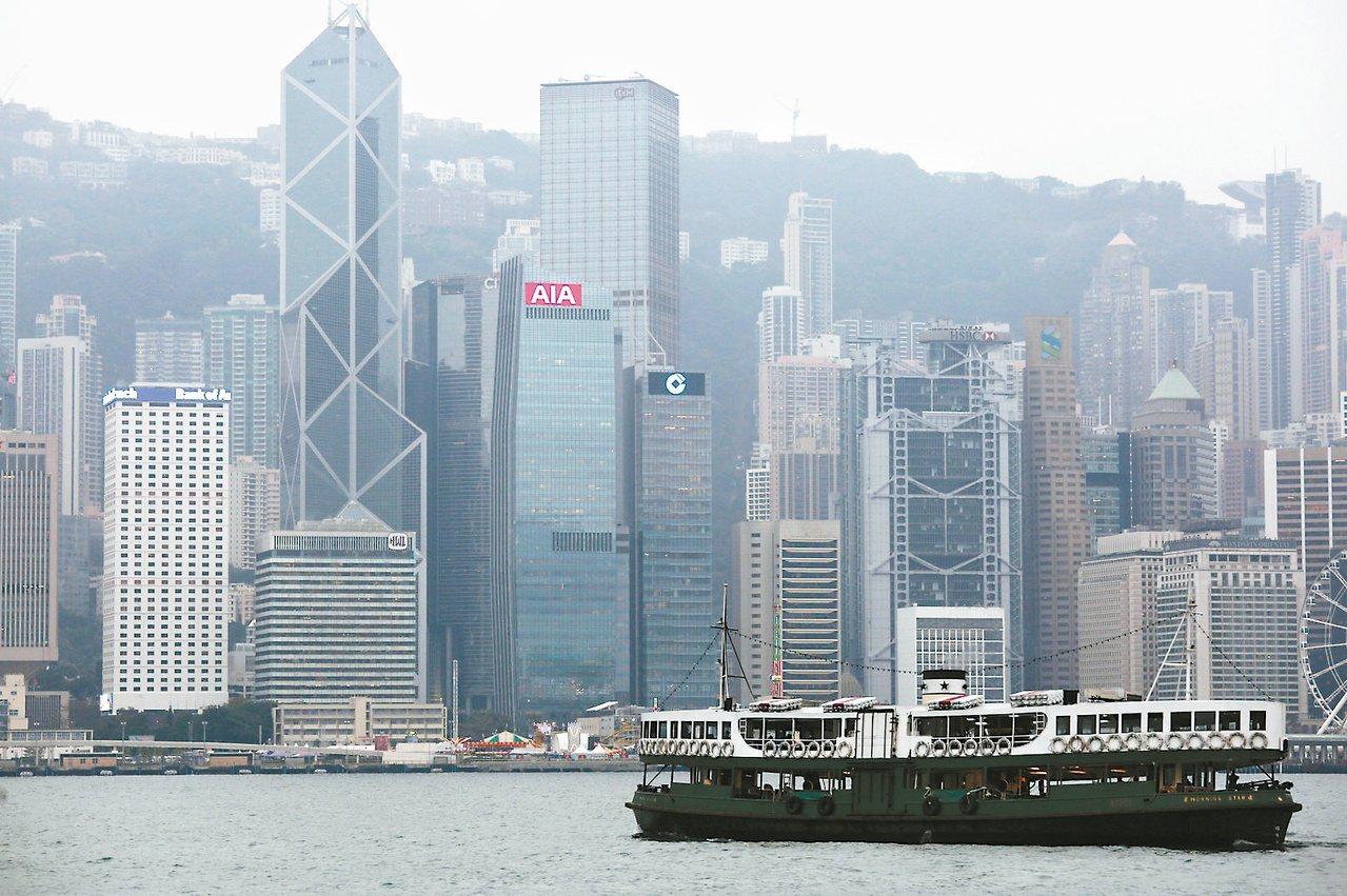 香港反送中愈演愈烈,抗爭原因複雜多端;其中之一,應是奇高的房價。 路透資料照片