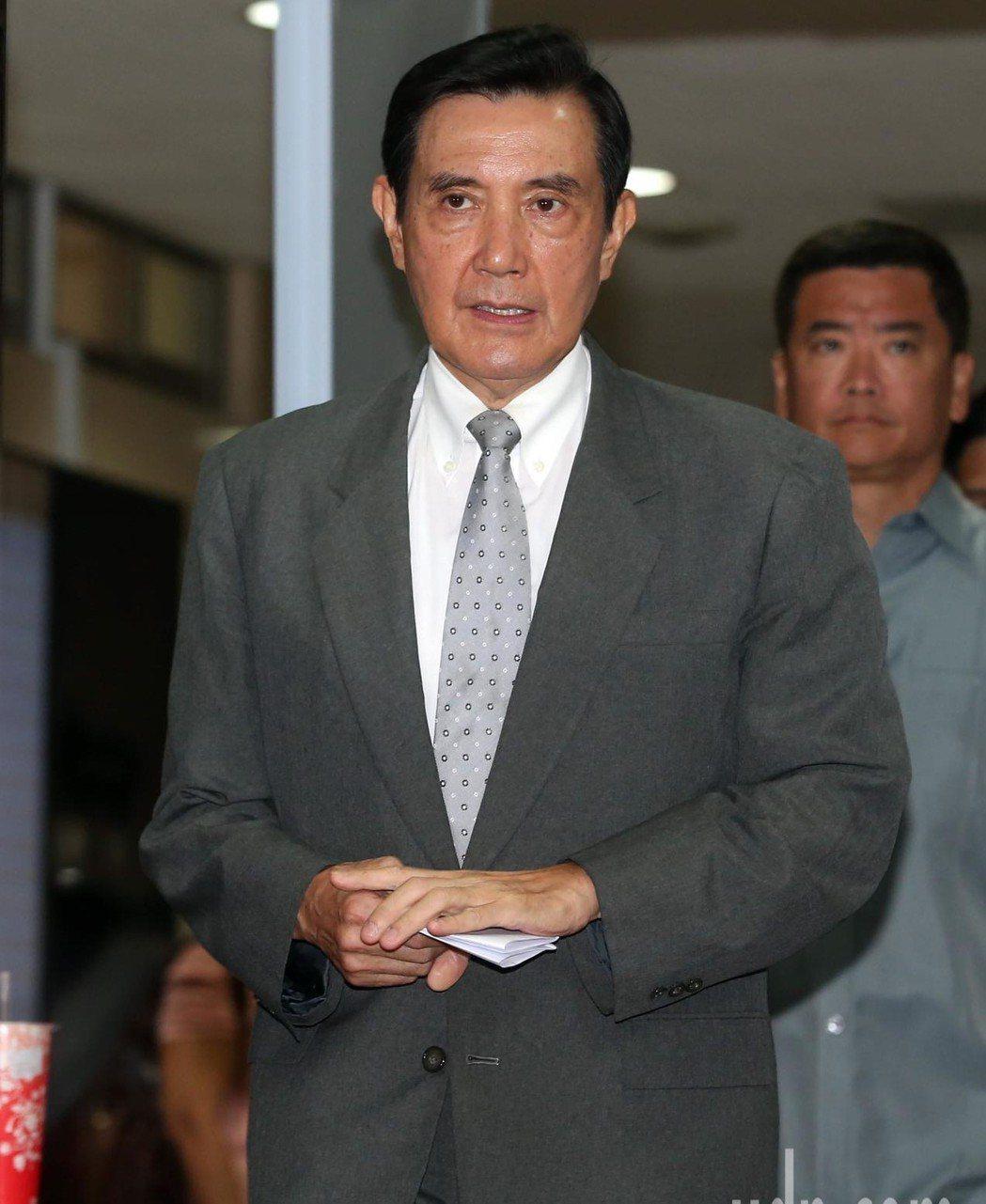 在馬王政爭期間,台南有政壇人物在一次飯局時,說到激動處時,多次指著對方說「你是馬...