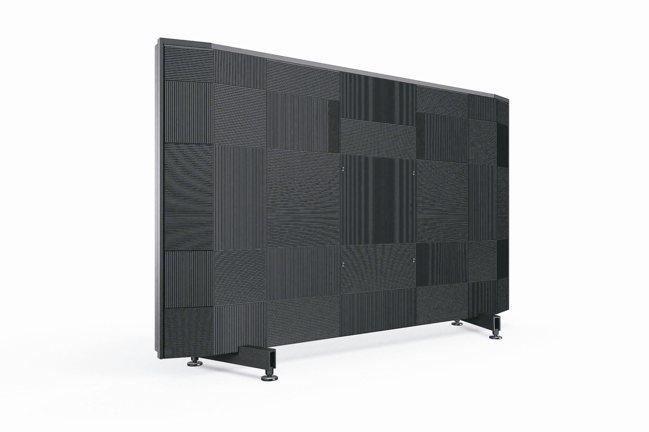 背面立體格紋線條設計,搭配優雅底座,不僅展現霸氣美感,同時有效降低震動、確保聲音...