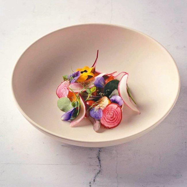 MUME招牌菜色會依據季節不同,食材有所變化。 圖/摘自MUME粉絲專頁