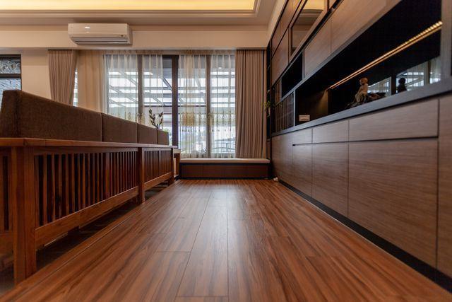 歐克斯柚木(WORKS)擁有專業生產原木板材優勢,打造高CP值的空間。 歐克斯柚...