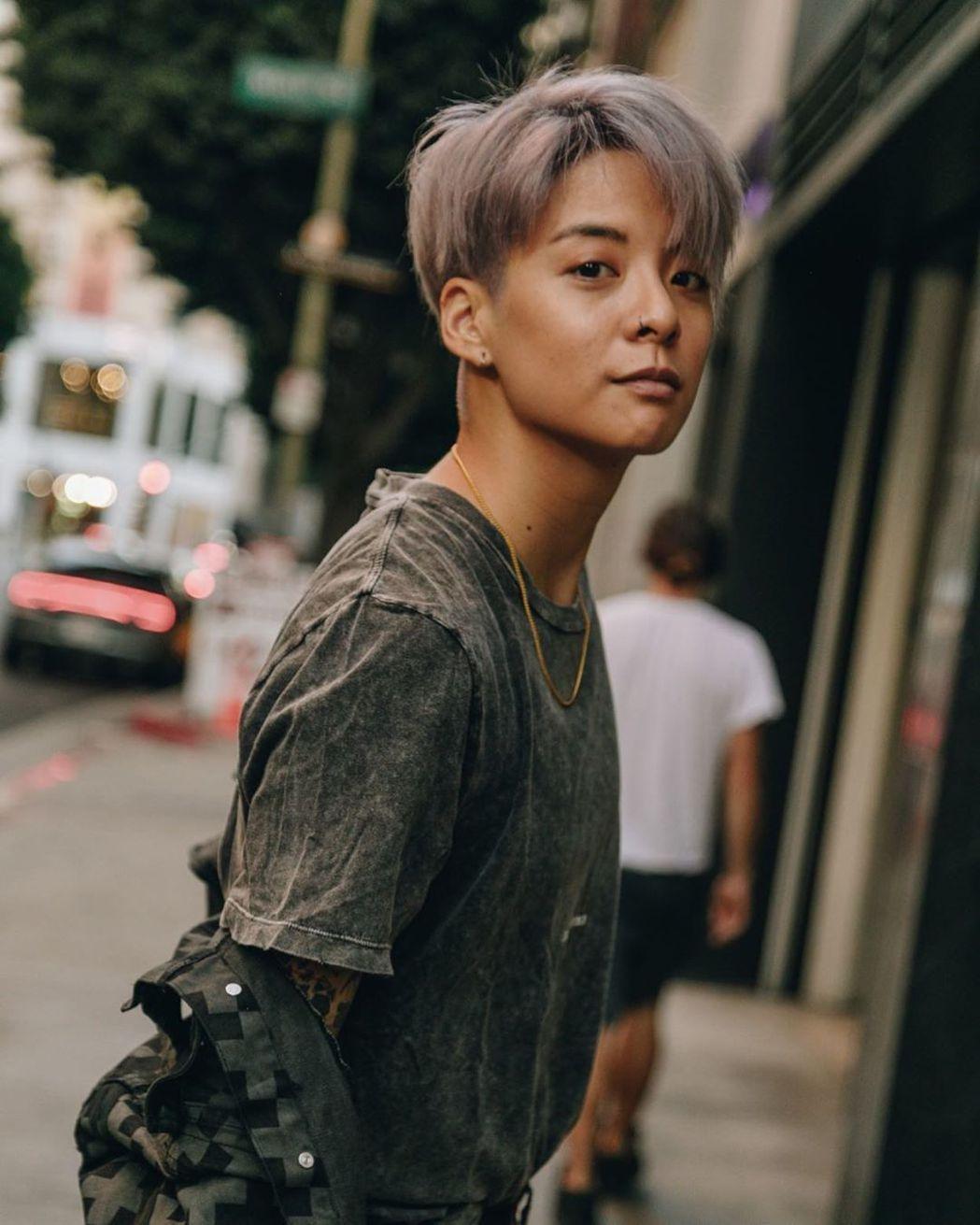 Amber在Instagram透露確定與美國公司Steel Wool Enter...