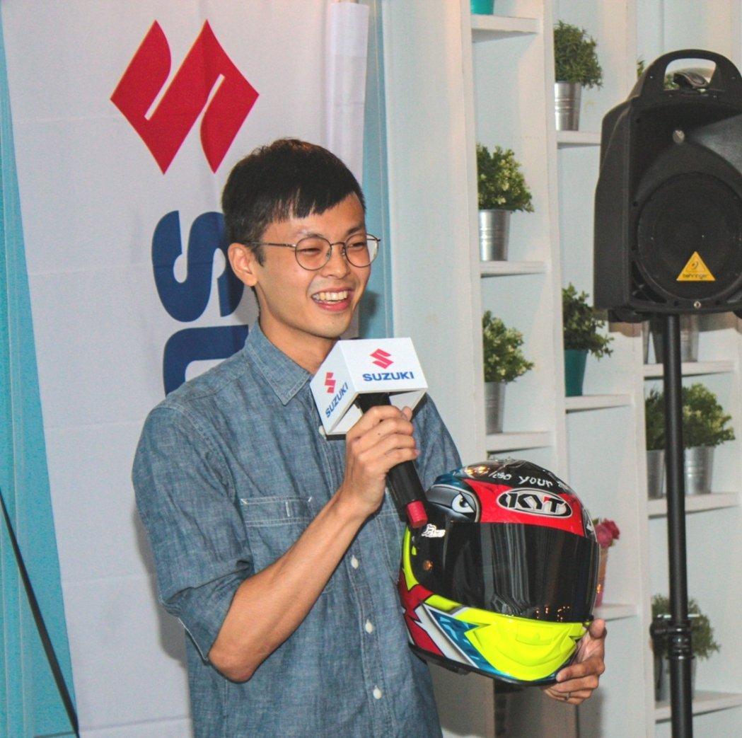 今年勇奪三次TSR R150 A組比賽分站冠軍的車手黃晧先生現身說法。 圖/台鈴...