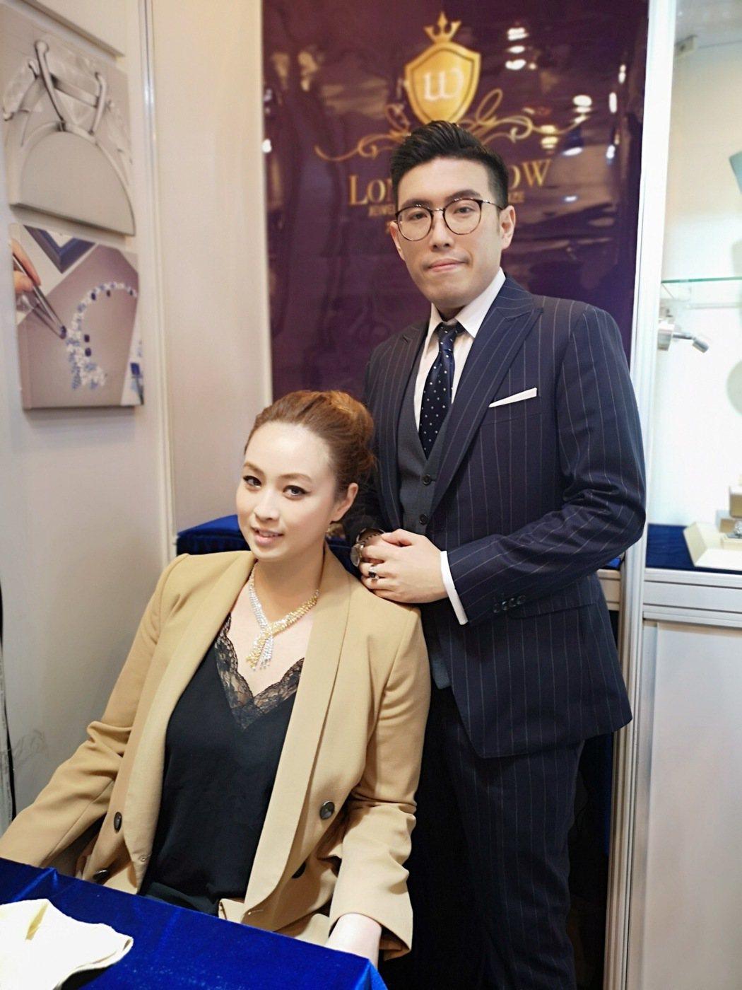 (左起)MISS KARARA克拉拉與崙盾綉執行長張智閎,邀請業者相互交流,有興...