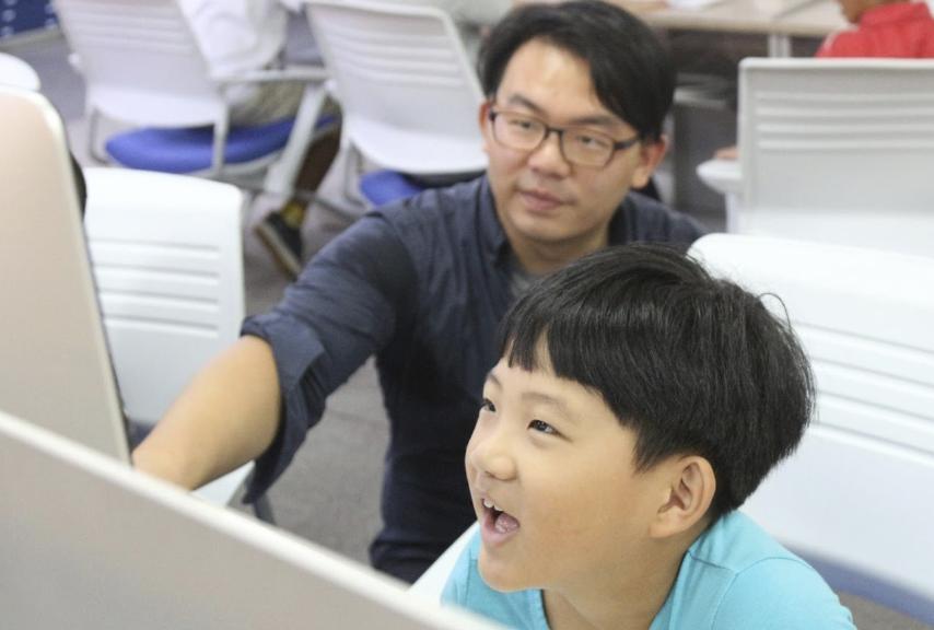 英國留學/當就業機會來臨,卻選擇回台灣辦公益營隊?