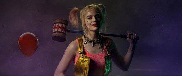 「猛禽小隊:小丑女大解放」在賣座恐怖片「牠」之前播放前導預告。圖/摘自推特