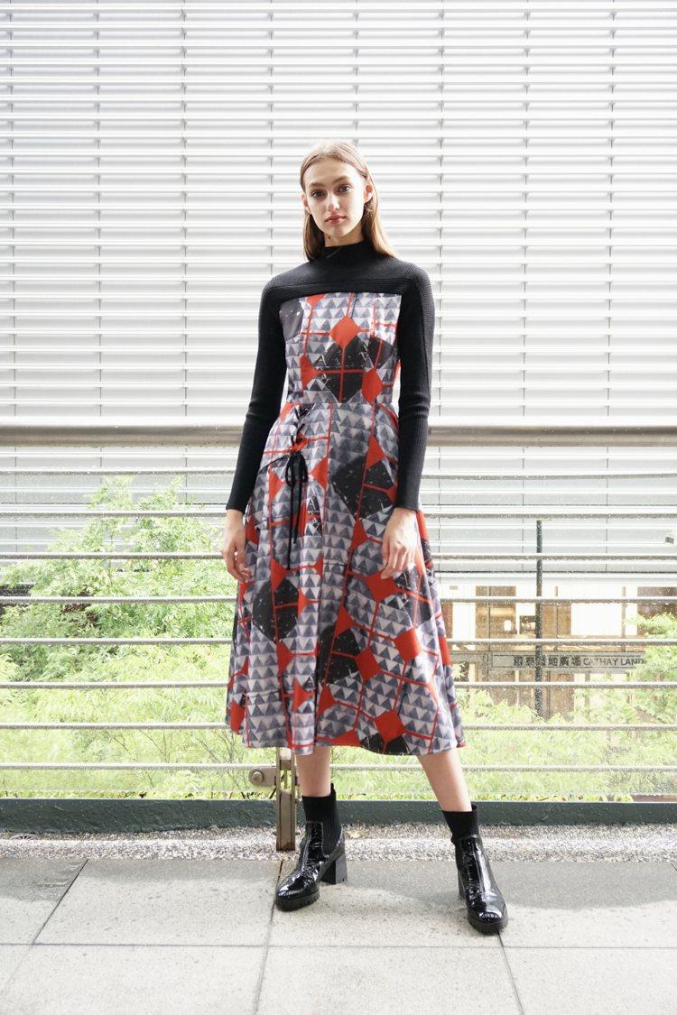 以針織、雪紡拼接的異材質裙裝,是秋冬別緻表現。圖/MARYLING提供