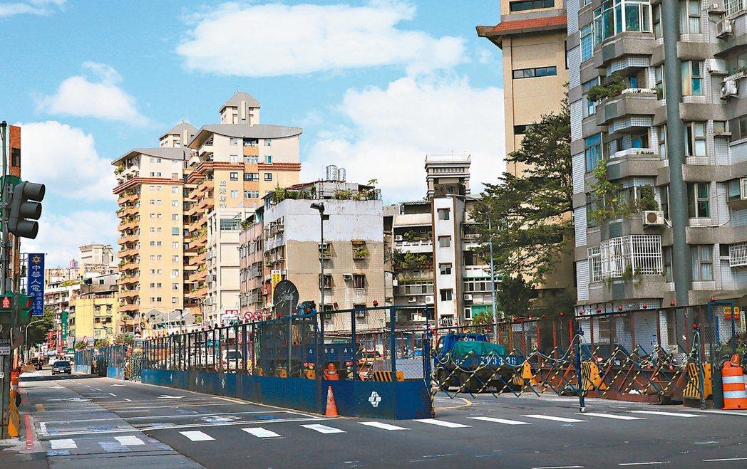 台北市萬大路與東園街口。 記者潘俊宏/攝影