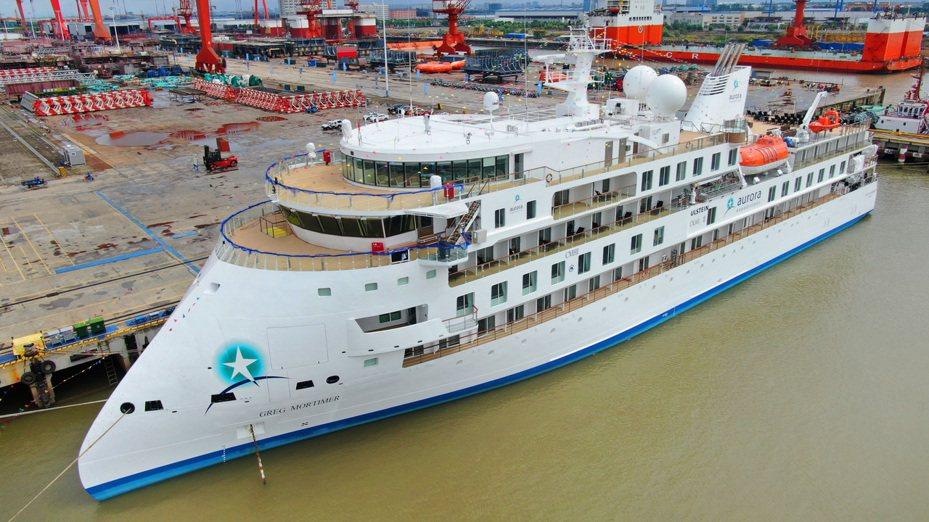 中國首制極地探險郵輪命名交付。 中國新聞社