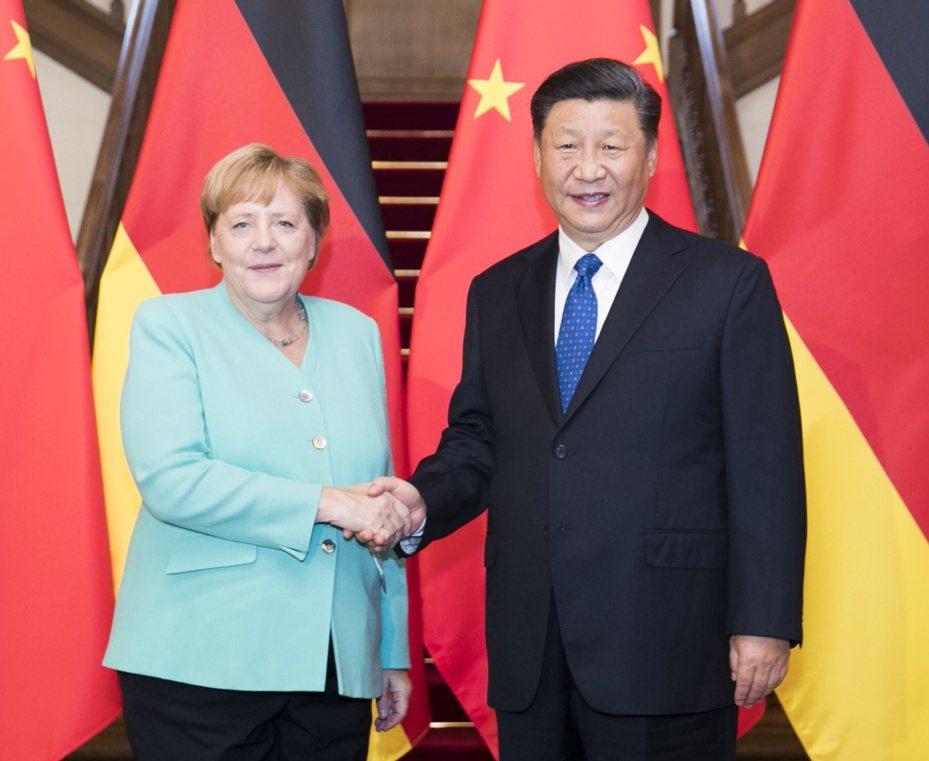 習近平見梅克爾  稱中國擴大開放說到做到 新華社