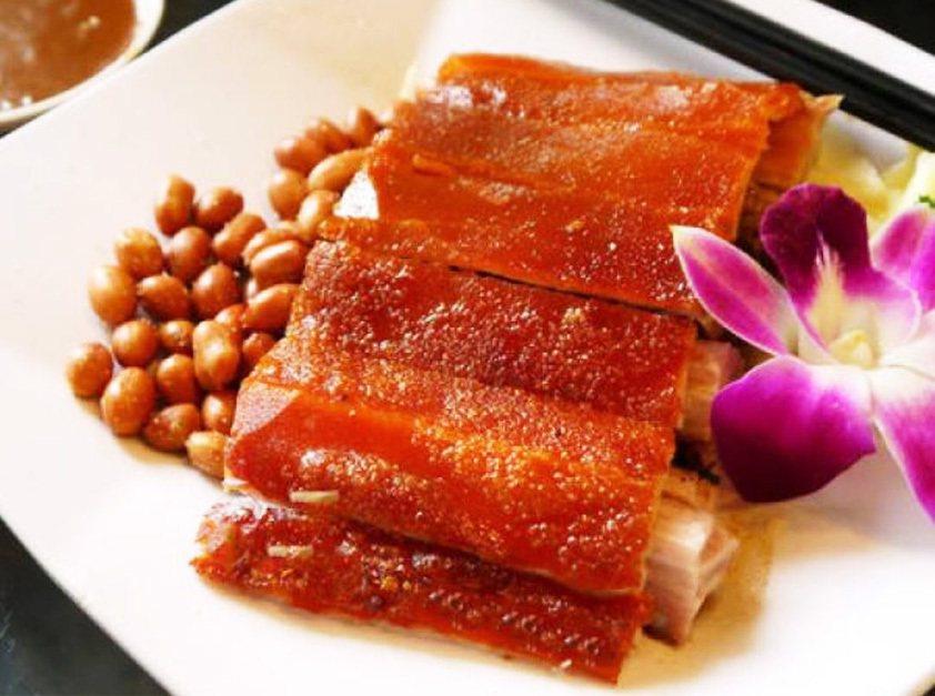今年中秋烤肉最夯、最酷、最流行,莫過於烤乳豬風味料理. 業者/提供