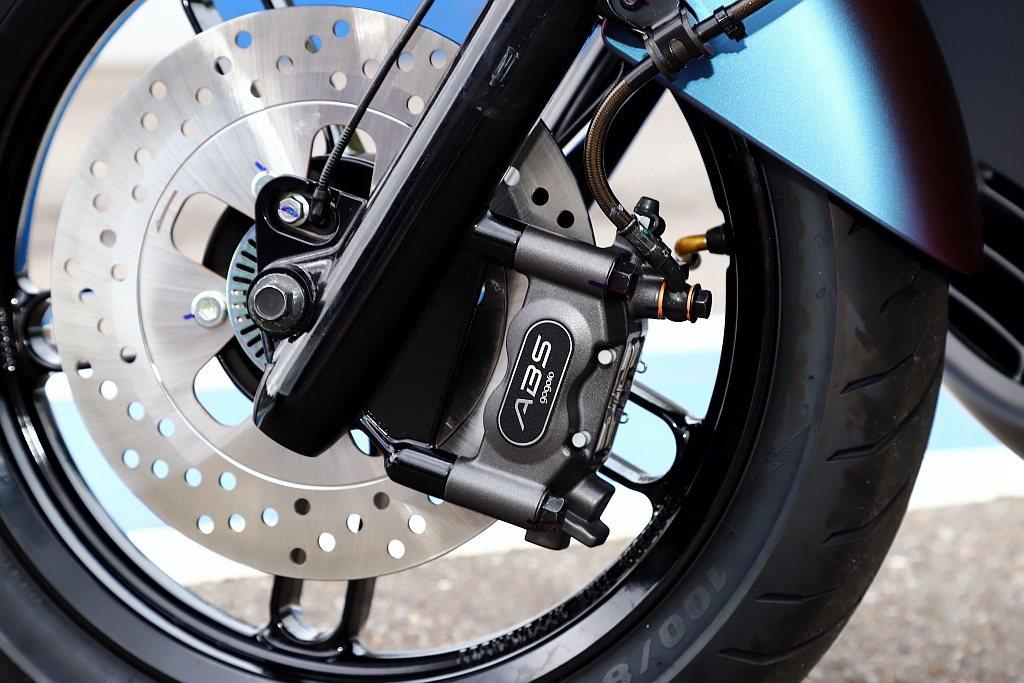 Bosch ABS 10雙迴路煞車系統是目前Bosch機車用ABS裝置中最新世代...