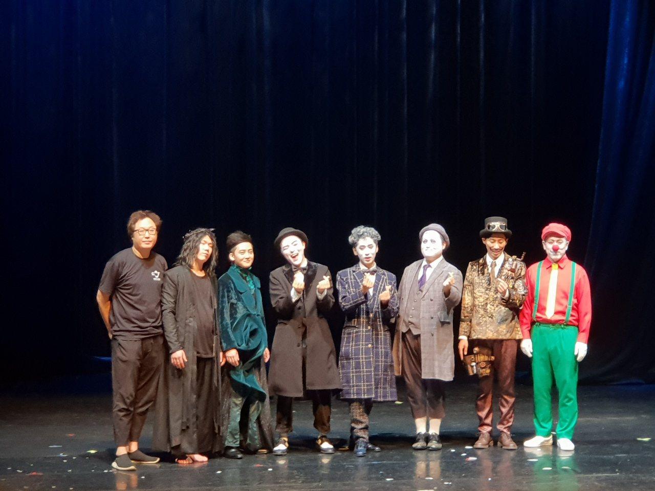 南韓奇幻魔術劇「SNAP 變!」由七位魔術師聯手獻演,是亞洲第一個打進紐約外百老...