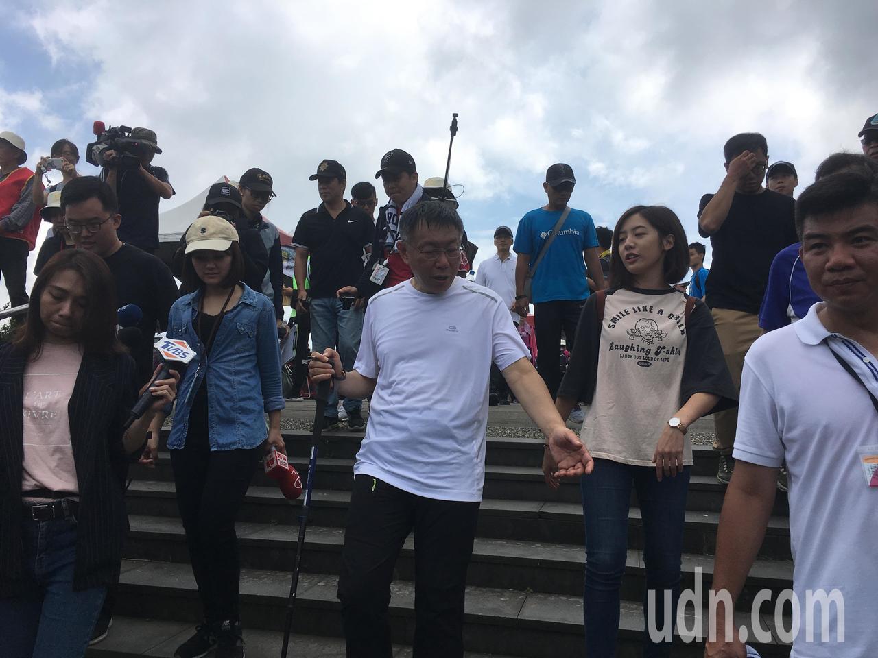 台北市長柯文哲今天上午參加「台北大縱走千人齊步行」。記者張世杰/攝影