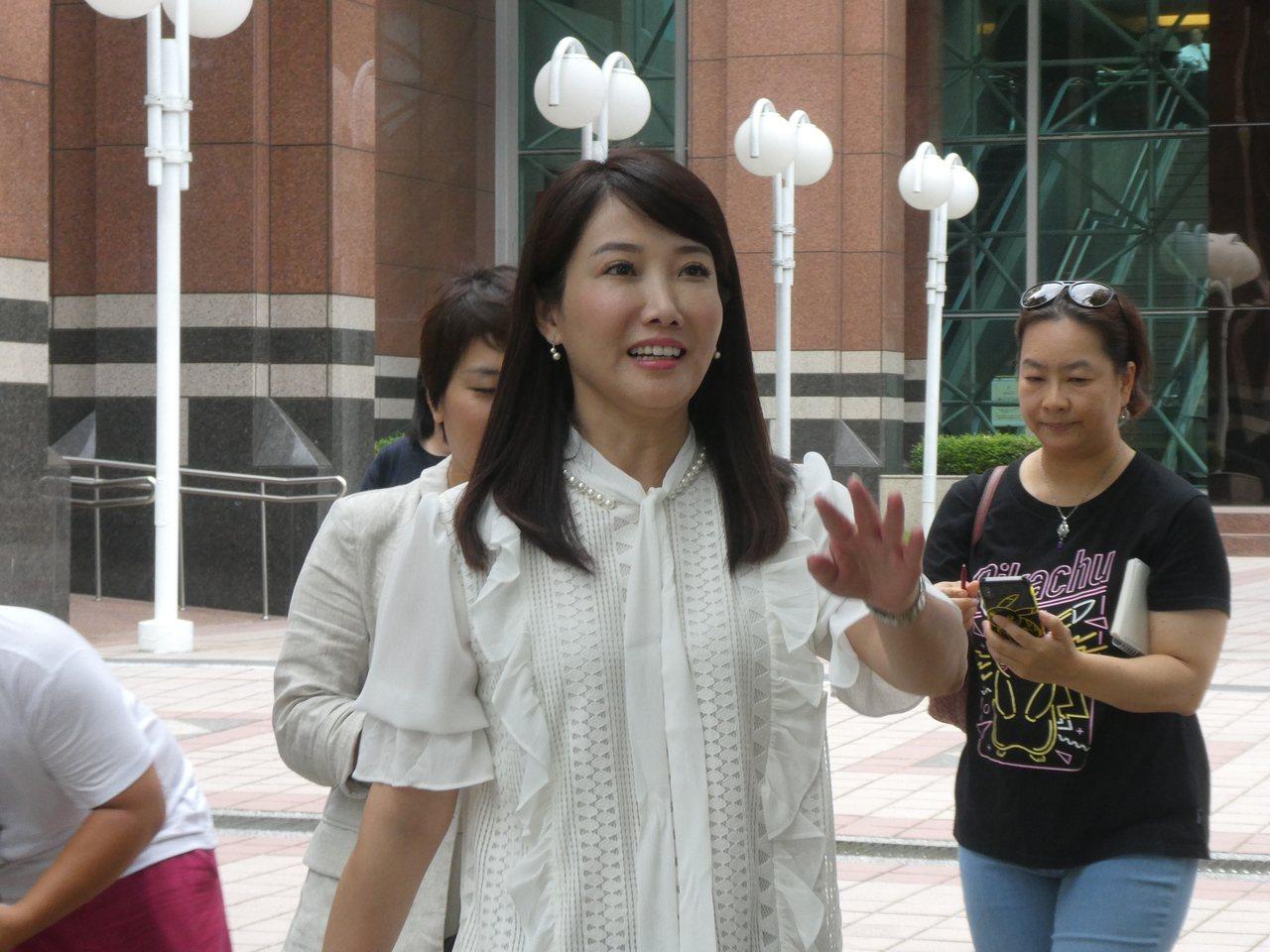 國民黨總統參選人韓國瑜昨接見日本東京大學兩岸關係研究小組成員,再爆遲到糾紛。昨晚...