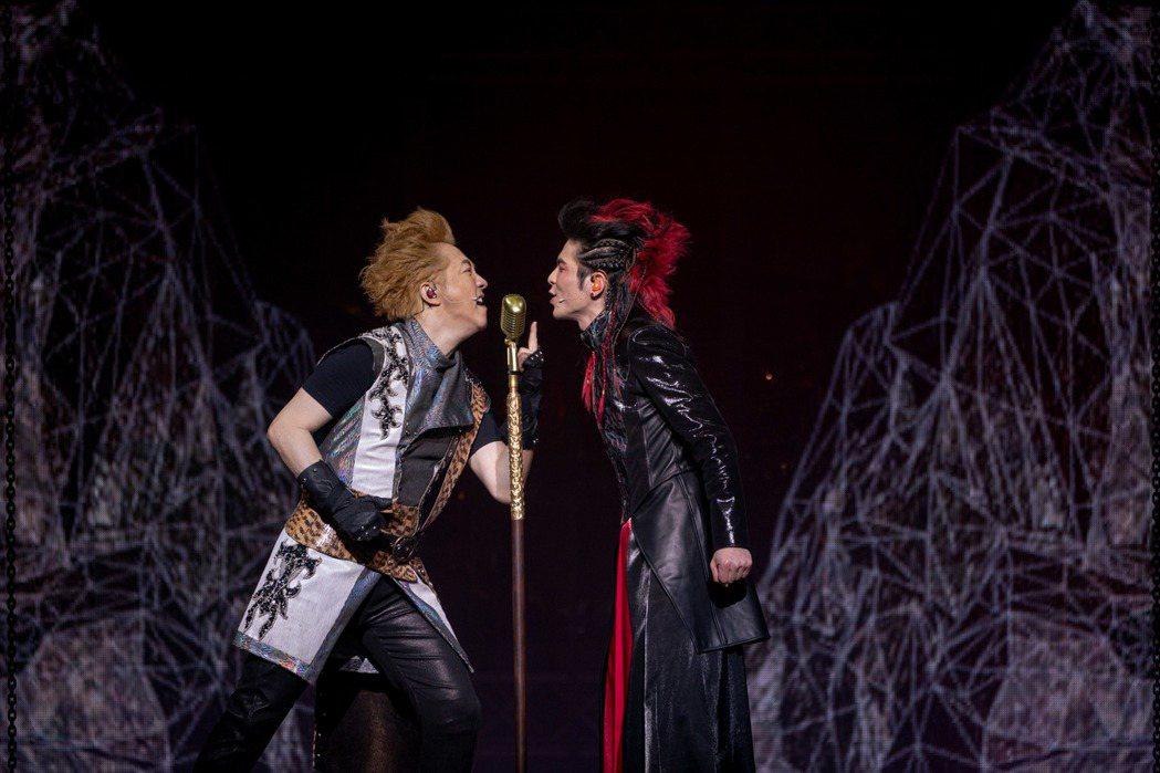 哈林與老蕭在「西哈遊記-魔二代再起」中,以歌battle,激盪不少火花。圖/耳東...