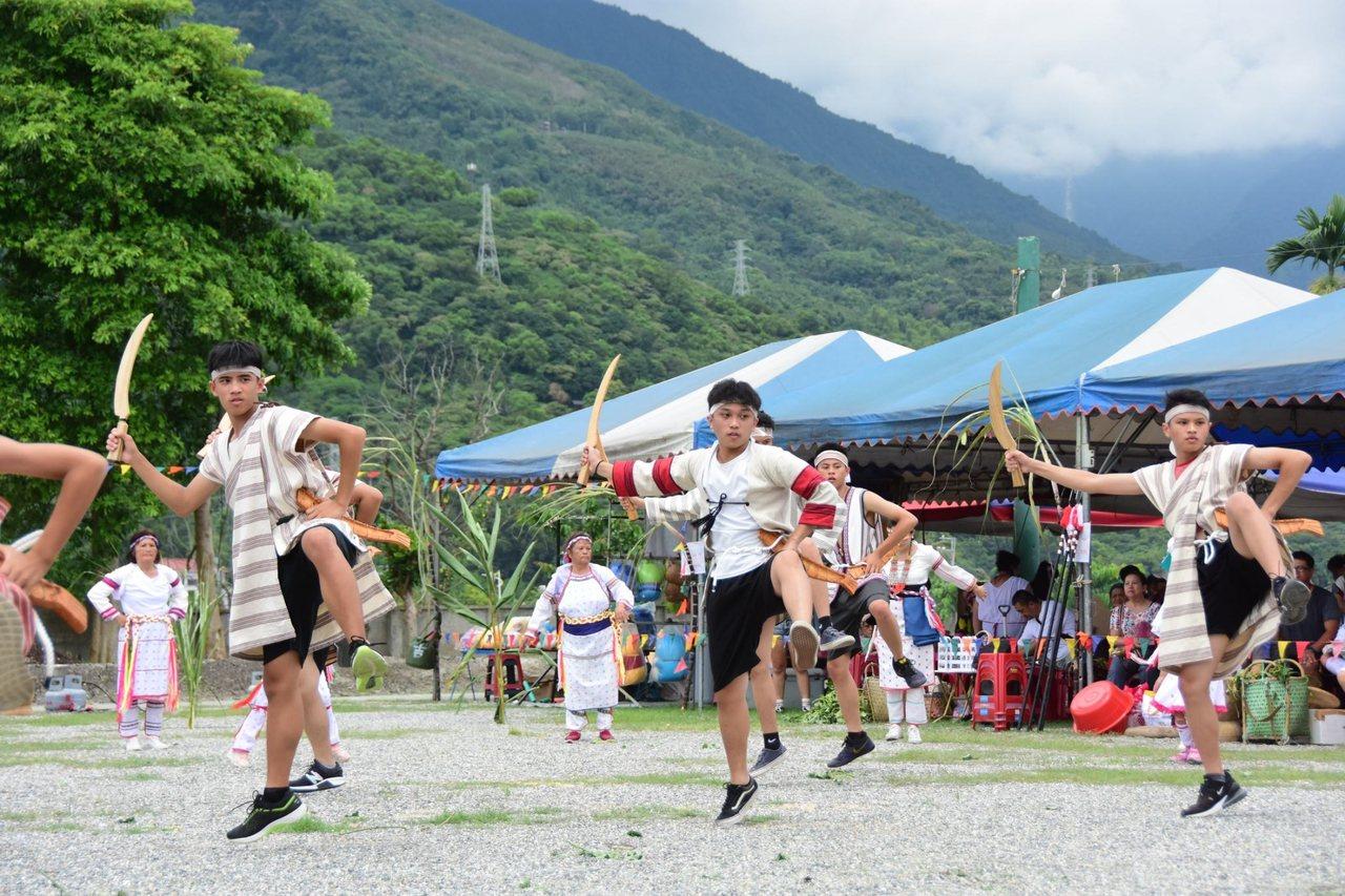 花蓮吉安鄉公所今天在原住民部落廣場,舉辦感恩祭,傳承族群文化。圖/吉安鄉公所提供