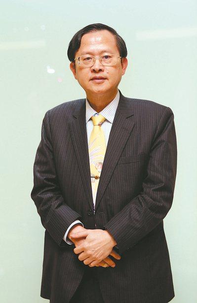 張天鈞臺大醫學院內科名譽教授兼任代謝內分泌科主治醫師