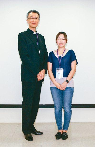 天主教會台灣地區主教團秘書長陳科神父(左)。 記者曾原信╱攝影