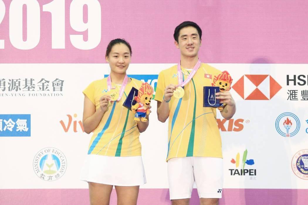 世界排名第10的香港組合鄧俊文/謝影雪本季首闖決賽,解決同樣都是左手持拍的南韓組...