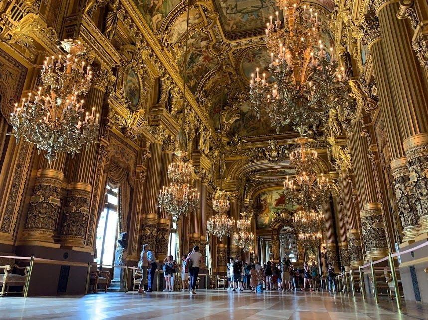 巴黎歌劇院的奢華內部裝飾。 蔡尚勳/攝影