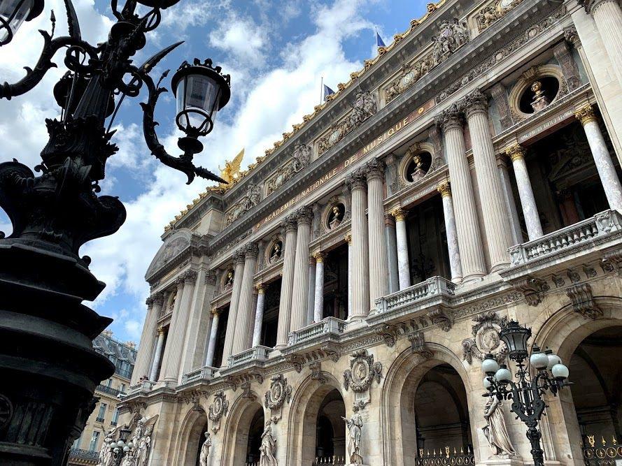 巴黎歌劇院位於巴黎市中心,是漫遊巴黎的入門起點。 蔡尚勳/攝影