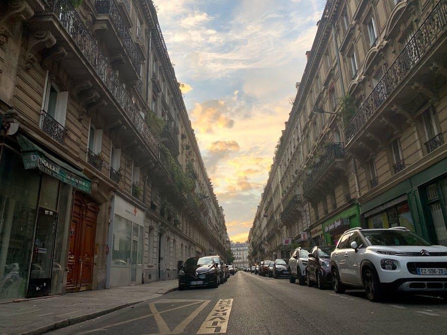 巴黎的街道的黃昏時分出現《香草天空》電影內的經典場景。 蔡尚勳/攝影
