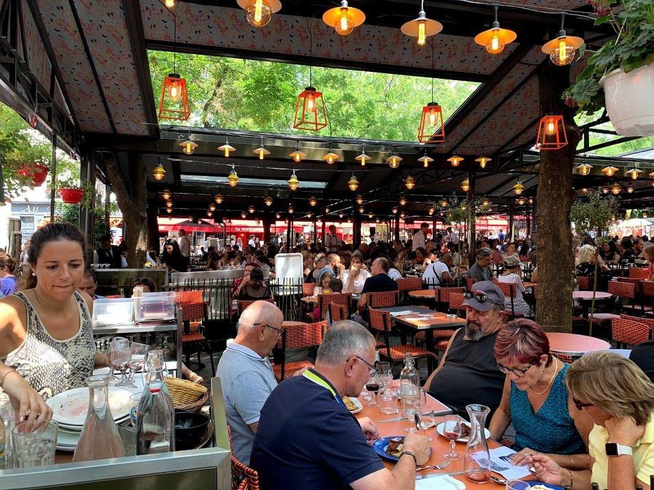 蒙馬特區的帖特廣場餐廳一隅。 蔡尚勳/攝影