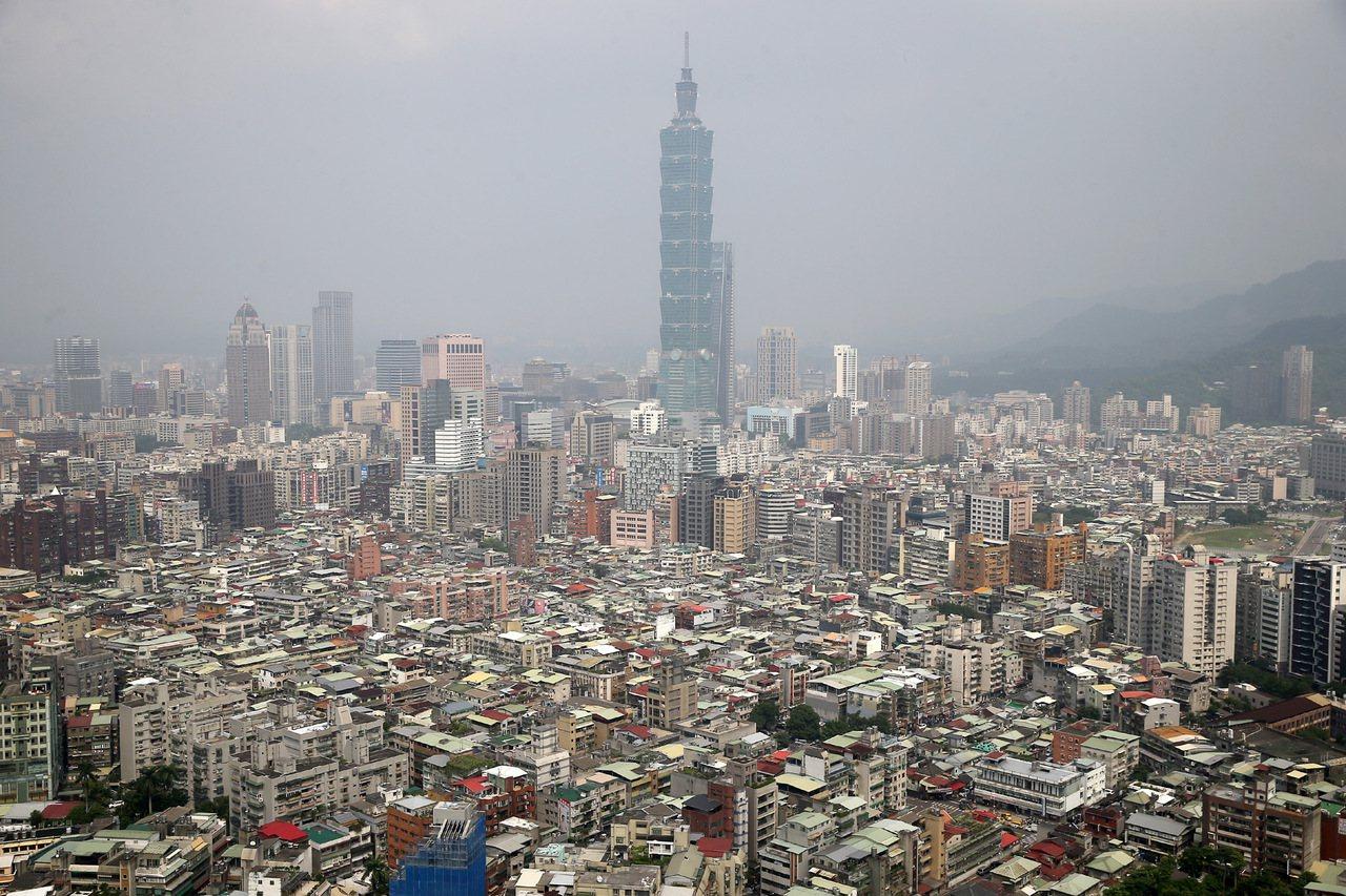 亞洲12個主要經濟體出口動能均下滑,台灣雖衰退但表現居中,且實質出口成長率為亞洲...