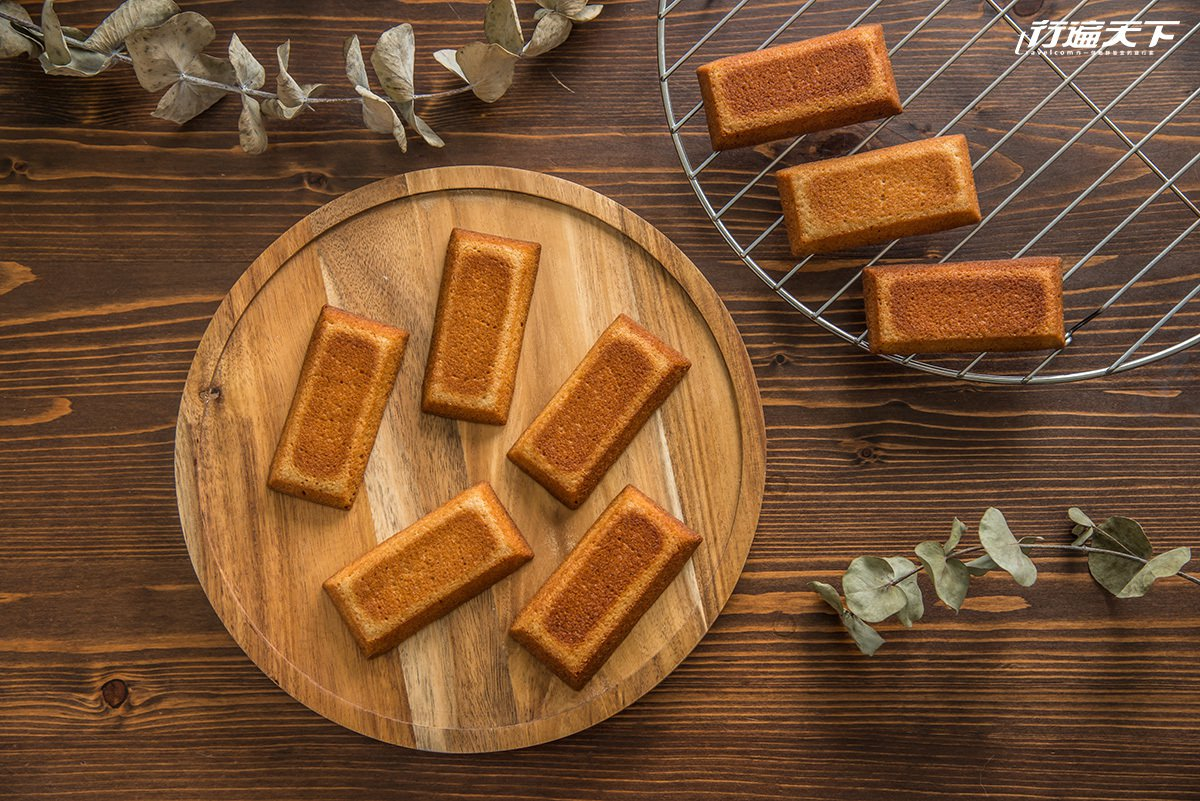 ▲外型如金磚的費南雪,是常見的法式點心,紮實綿密的口感,有奶油焦香自口中慢慢化開...