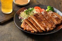 中秋節烤肉今年來點不一樣 啤酒香腸、大漠孜然里肌排
