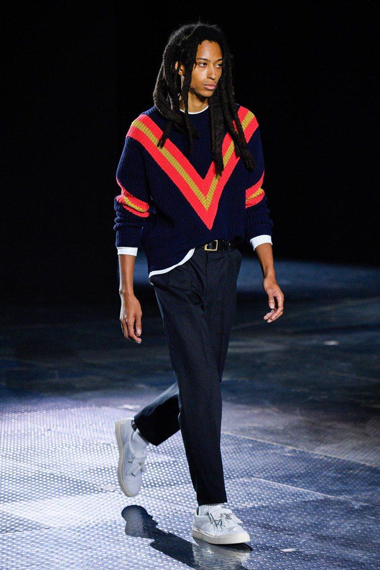 網球毛衣則以英式羅紋 (Fisherman-rib) 、鮮艷大膽裝飾和V領條紋組...