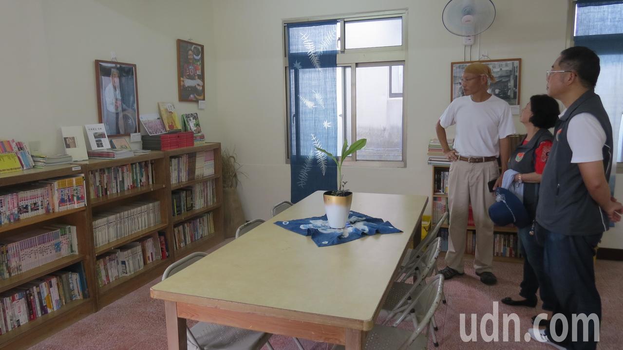 苗栗縣獅潭鄉公所舊宿舍今年2月有機書店進駐,獲得熱烈回響。記者范榮達/攝影