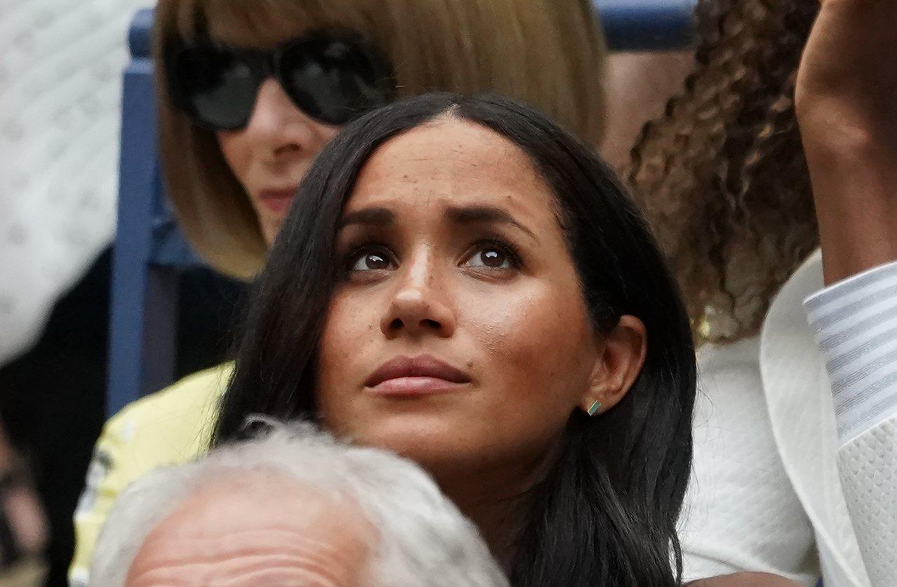 網友笑稱英國公爵夫人梅根帶衰網球選手小威,梅根數度觀看小威比賽都輸。法新社
