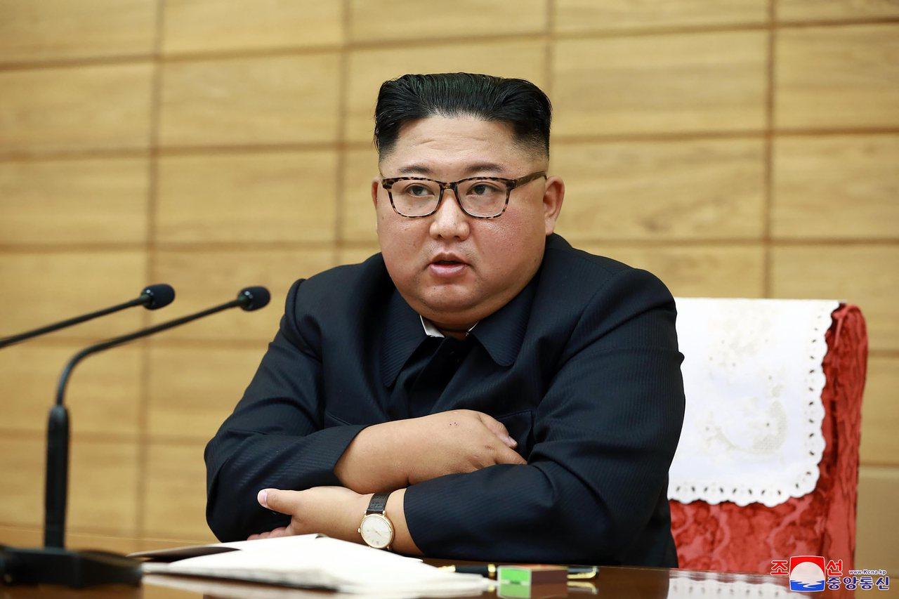 北韓領導人金正恩6日主持緊急會議,下達防災指示。(美聯社)
