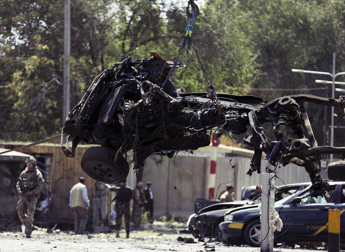 川普表示,塔利班在磋商和談同時,卻仍不斷擴大攻勢、埋伏美軍,9月5日甚至在首都喀...