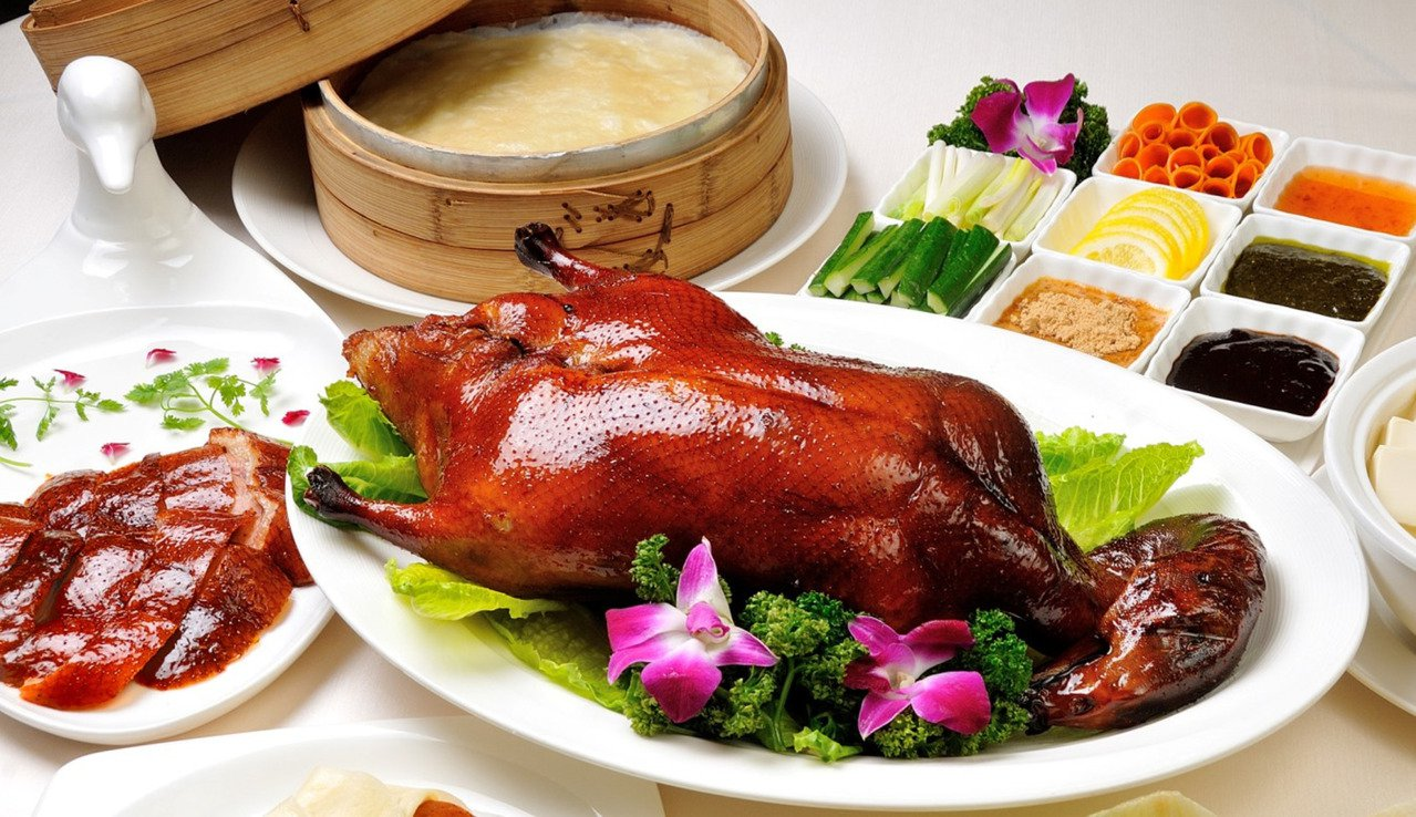 皇樓中餐廳招牌廣式片皮鴨。圖/義大皇家酒店