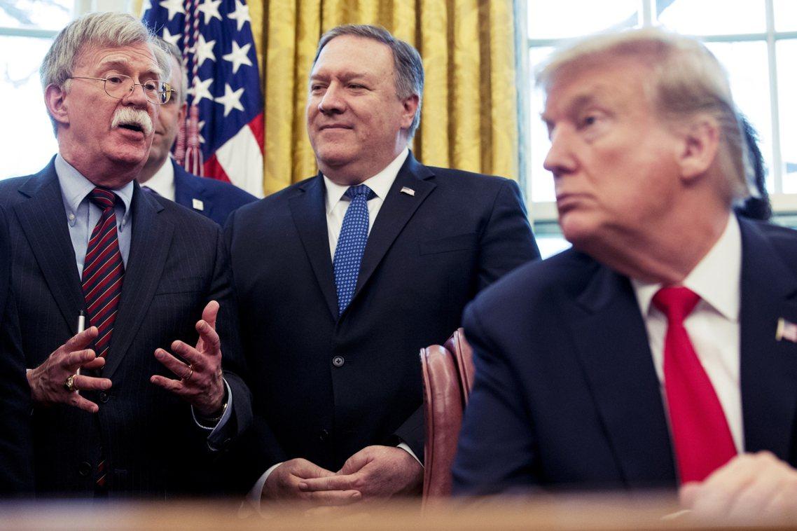 白宮團隊陷入了「極為明顯而白熱化的路線對立」——之中,支持與塔利班簽約的鴿派,是...