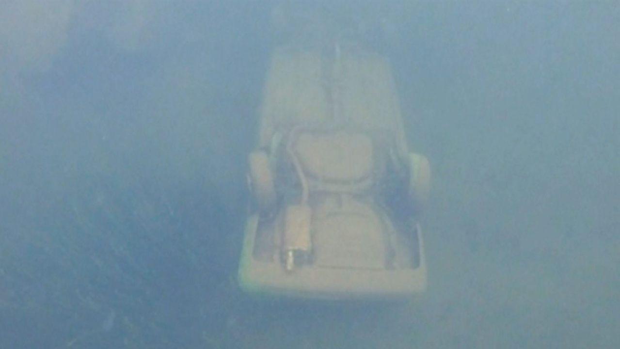13歲男童直接跳入水中並用GoPro將沉在湖底的車輛錄下,這舉動成為警方破案的最...