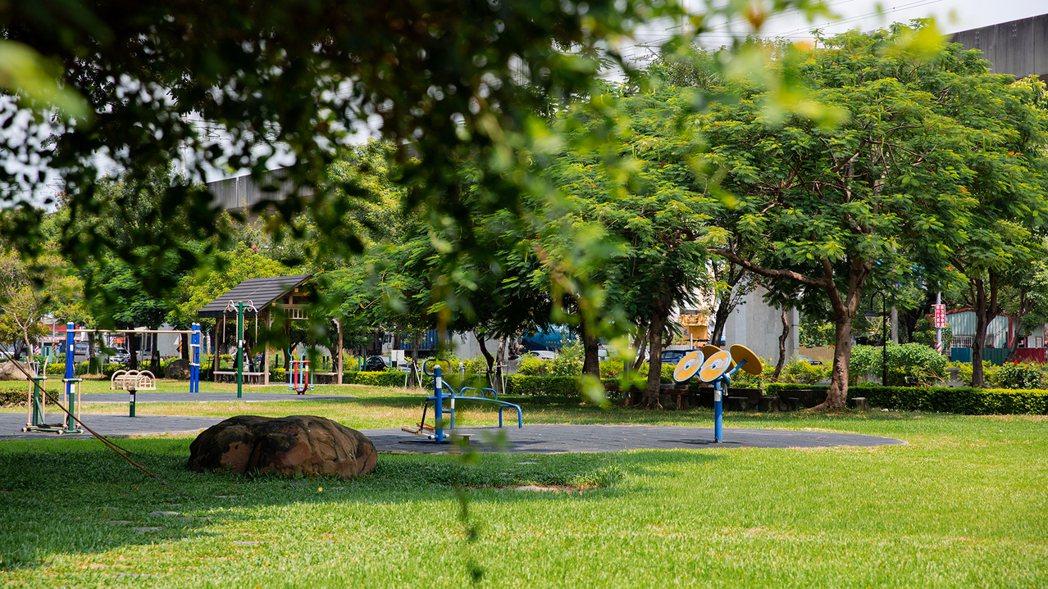 仁武運動公園。圖片提供/鴻誠開發