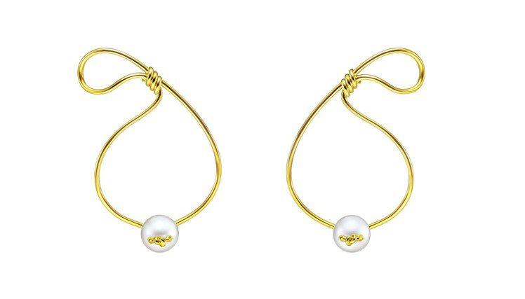 TASAKI M/G系列Knot珍珠黃K金耳環,約19萬5,000元。圖/TAS...