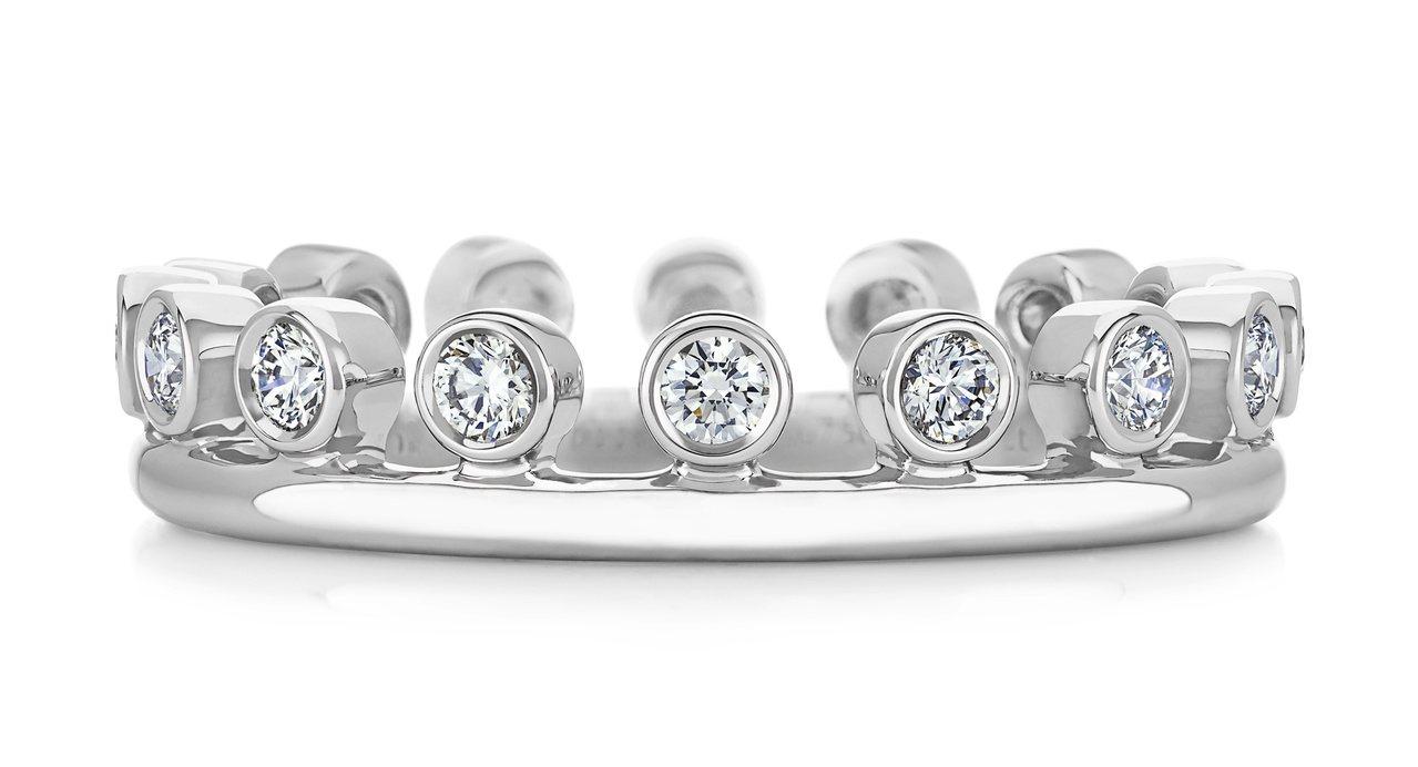 De Beers Dewdrop系列18K白金單行鑽石戒環,約73,000元。圖...